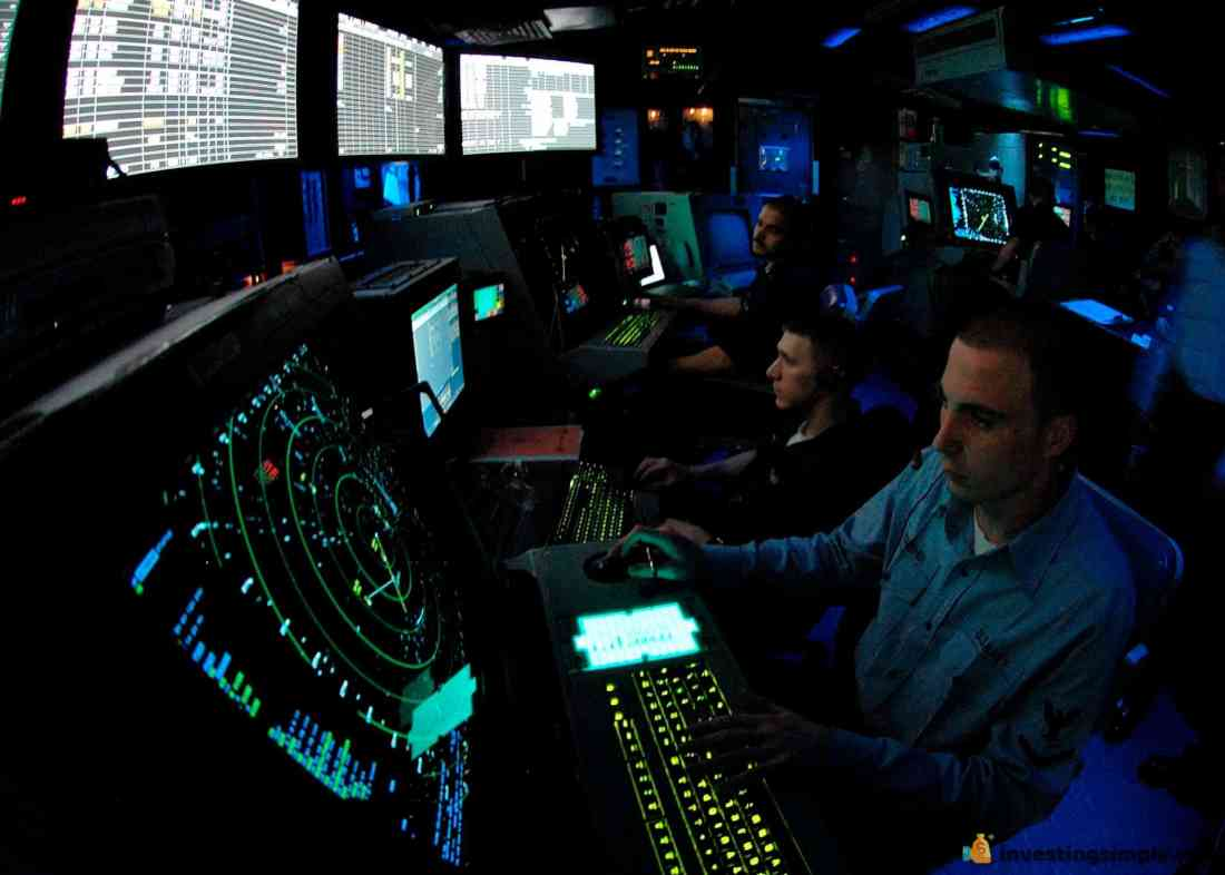 US_Navy_060505-N-9079D-025_Air_Traffic_Controller_3rd_Class_David_McKeehe_works_approach_controller_in_Carrier_Air_Traffic_Control_Center_(CATTC).jpg