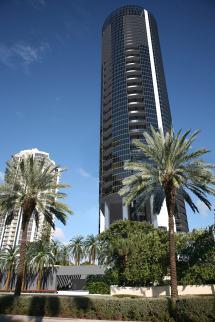 Porsche Design Tower 18555 Collins Ave Sunny