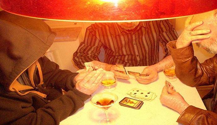 money-wasting-habit-gambling-min