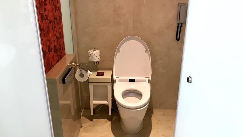 オカダマニラ_OkadaManila_バスルームのトイレ