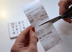 Зачем надрывают чеки в магазинах