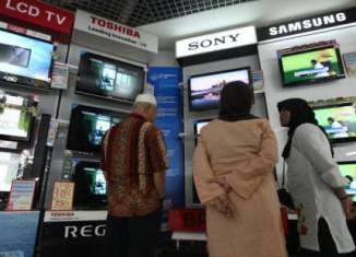 Consumer stocks top Indonesia's bourse