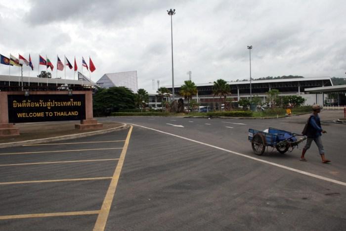 The Chong Mek border lies along a major trade route from Dawei in Myanmar to Da Nang in Vietnam