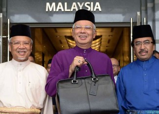 Malaysia 2016 budget: Taxes up for the rich, higher minimum wage