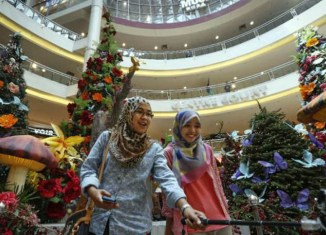 "Malay Muslim groups say Brunei's Christmas ban ""against Islamic principles"""