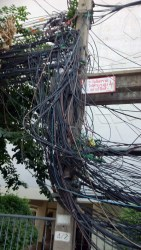 Bangkok cables_Arno Maierbrugger
