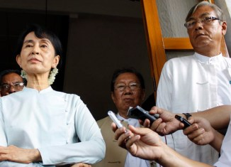 Suu Kyi names presidential candidates