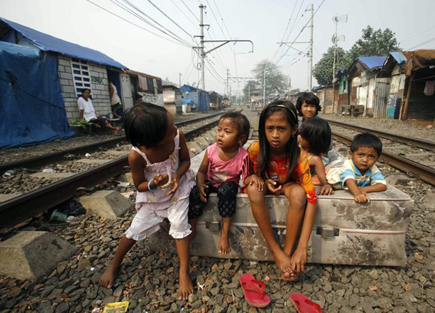 Poverty rate drops in Indonesia