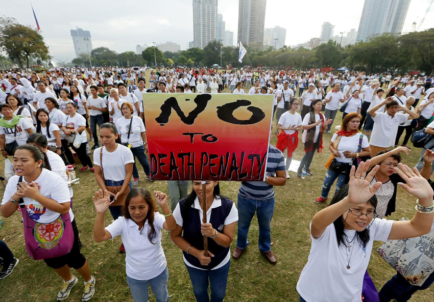Philippine Catholics rally against war-on-drug killings and death penalty