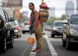 Indonesia's four richest people as wealthy as 100 million poorest