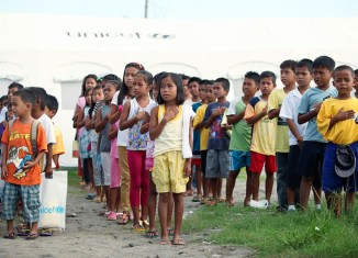 """""""Improper"""" singing of Philippine anthem could soon cost up to 100,000 pesos"""