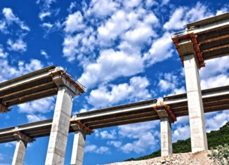 $500 bíllion urgently needed to fix Indonesia's infrastructure problem
