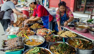 Thai street vendors adopt digital payment system