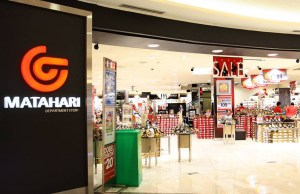 indonesia s retail stores feel the void as online shopping takes off