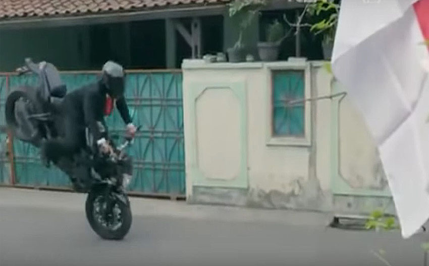 Widodo delivers dramatic motorcycle video for Asian Games opening day