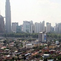Malaysia adjusts poverty line income: 400,000 households considered poor