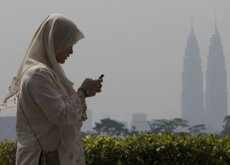 Malaysia mobile internet growth powers strong revenue