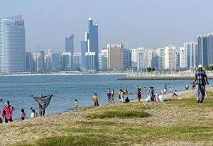 Abu-Dhabi_beach