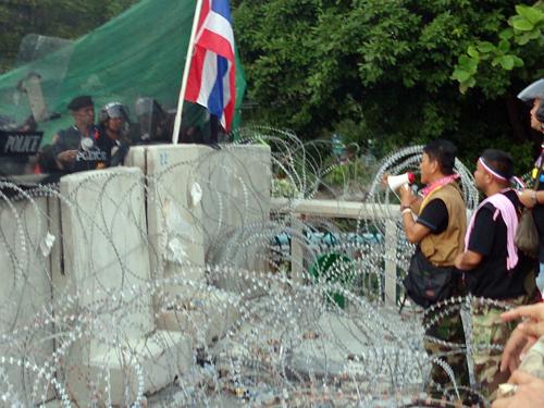 Bangkok-riots-Dec-2013_18-1_Arno Maierbrugger