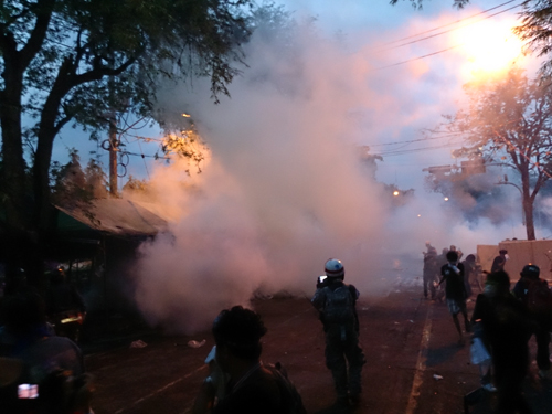 Bangkok-riots-Dec-2013_22_Arno Maierbrugger