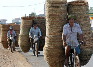 Cambodia economy bucks regional trend