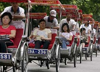 Chinese visitors flood Vietnam