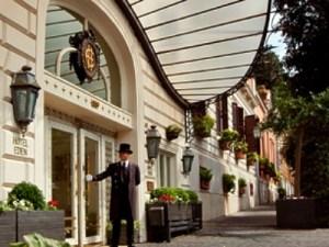 Hotel Eden front