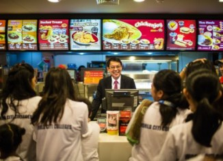 Singapore gets first taste of Jollibee