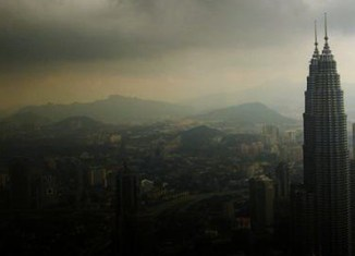 Survey: Malaysia threatened by financial instability