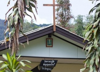 Laos government urges Christians to leave