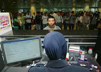 All foreign visitors to Malaysia now must show return flight tickets