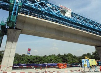Malaysia to delay large public projects