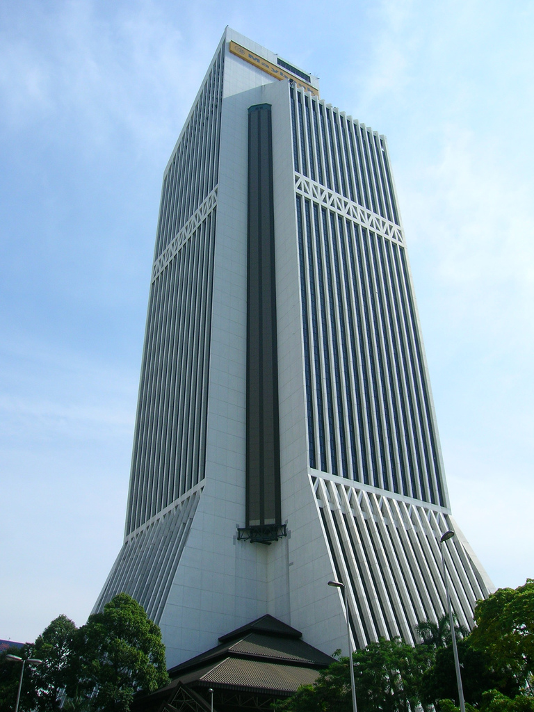 Maybank and CIMB to bid for RHB