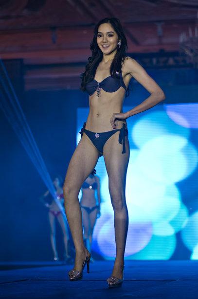 Business woman wins Miss Universe Singapore title