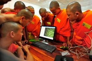 Monk laos computer
