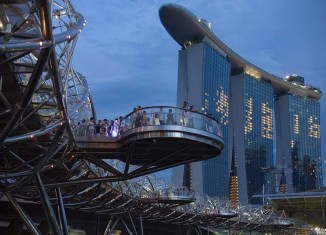 Record tourism arrivals in Singapore in 2013