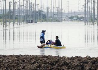 Thailand floods close factories again