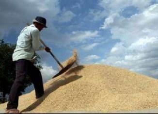 Moody's threatens to downgrade Thailand