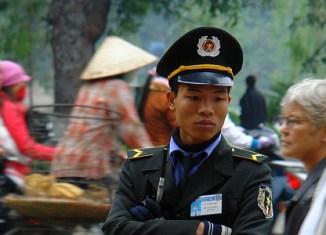 Vietnam cracks down on police uniform scam