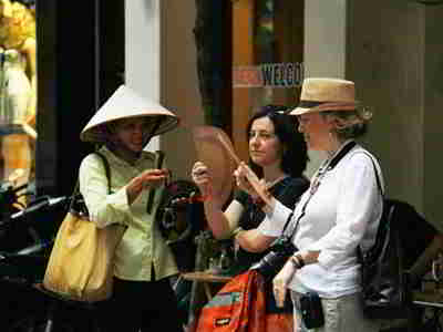 Vietnam: More tourists, but little spending