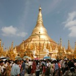 Investors and tourists flock to Myanmar