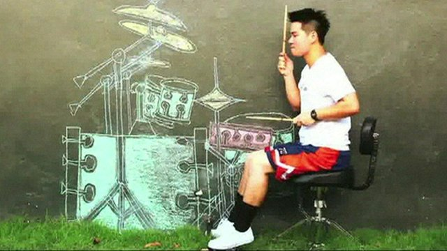 'Virtual drummer' in Thailand becomes web hit