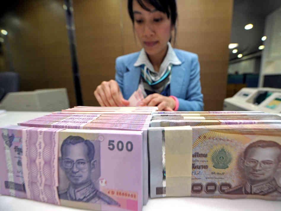 ASEAN currencies in defence position benefit investors