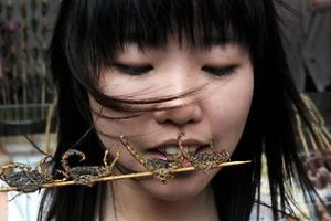 girl-eating-insects