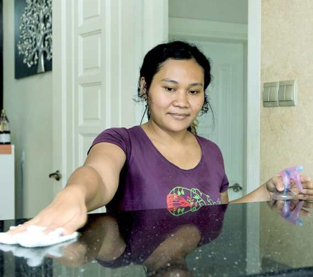 Indonesia to stop 'exporting' maids by 2017