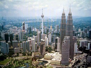 Tweetchat: Malaysia's growth potential questioned