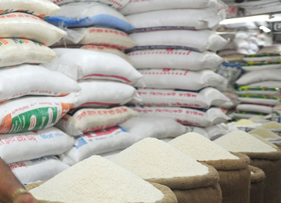 Thai rice problem escalates as stockpiles start rotting