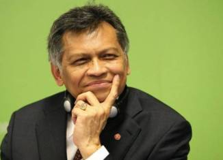 Pitsuwan aims at role in Thai government