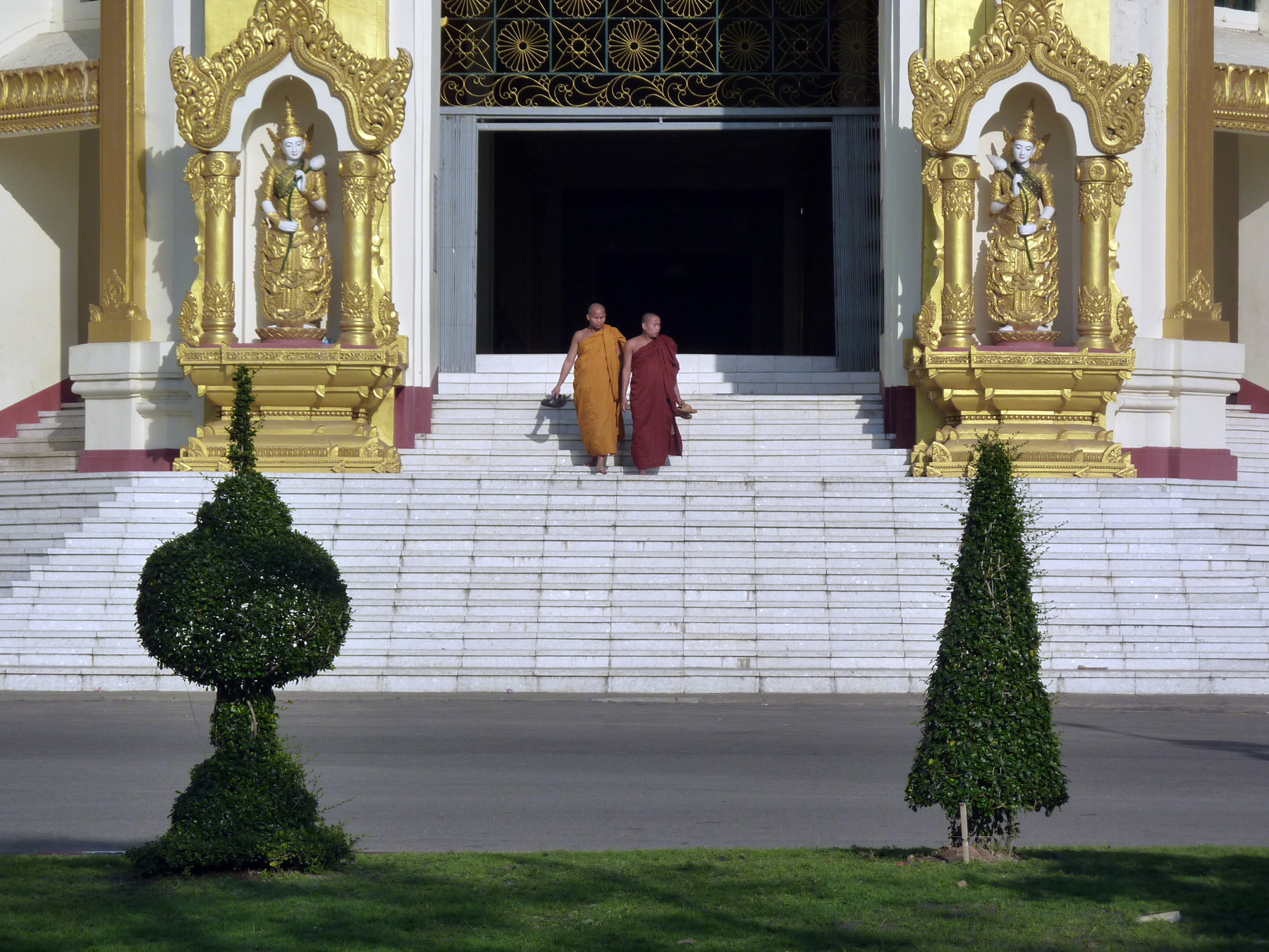 Thai monk on vacation caught glue huffing, stealing