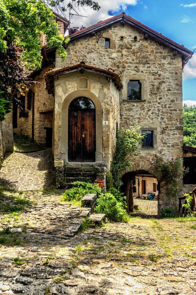 Piccolo oratorio, la Scola, Vimignano.
